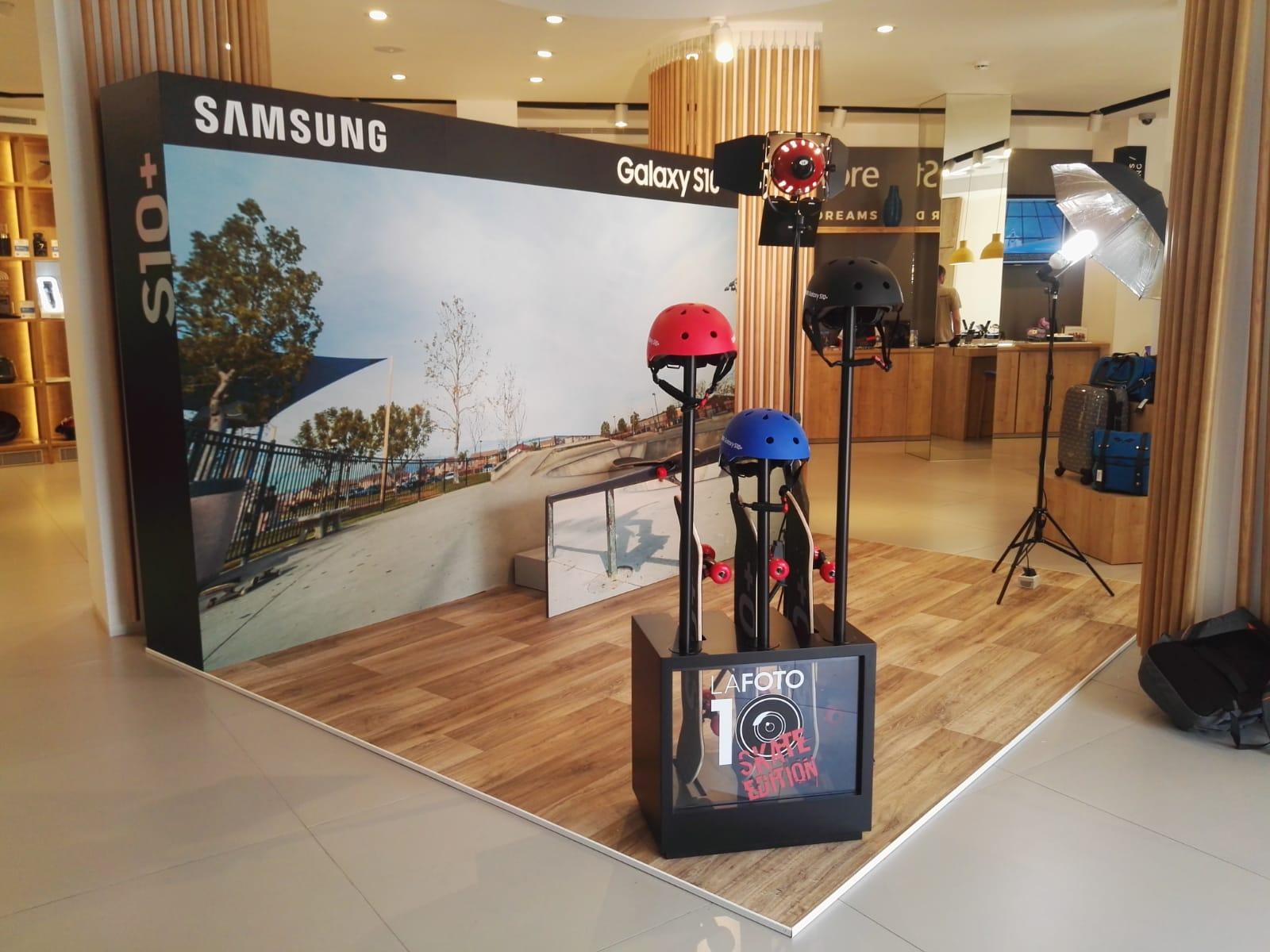 Presentación Samsung Galaxy S10 La Caixa Málaga Team Tools Group Mobiliario Comercial